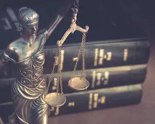 法制審議会、会社法改正要綱案を公表。社外取締役の義務化など
